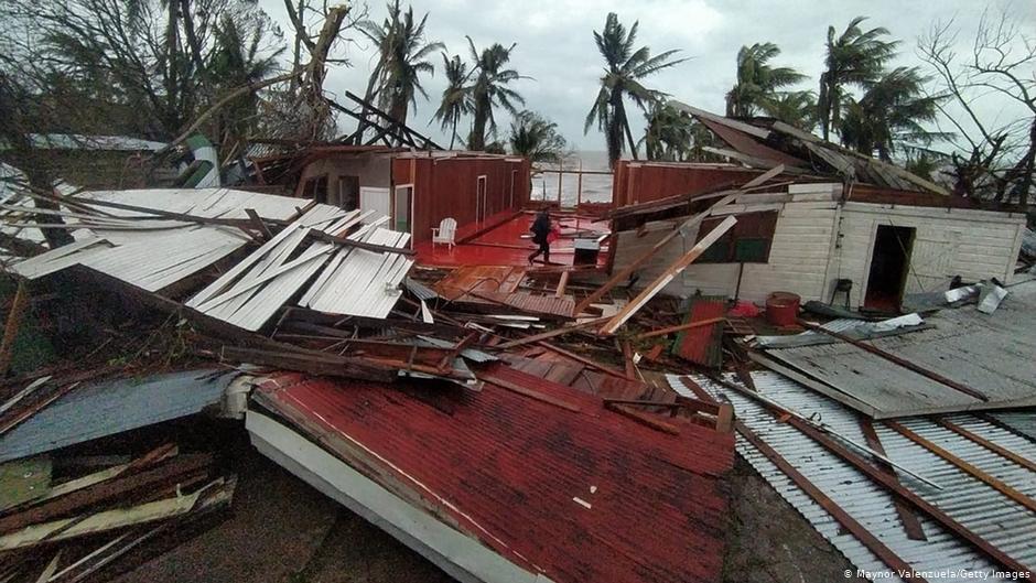 Los daños fueron devastadores en Bilwi, capital del Caribe norte de Nicaragua, azotada por los poderosos vientos del huracán Iota.